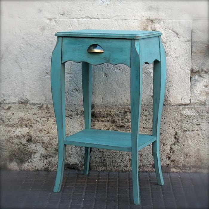 table de chevet patinée couleur turquoise