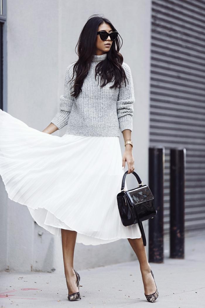 tendance jupe plissée et pull oversize