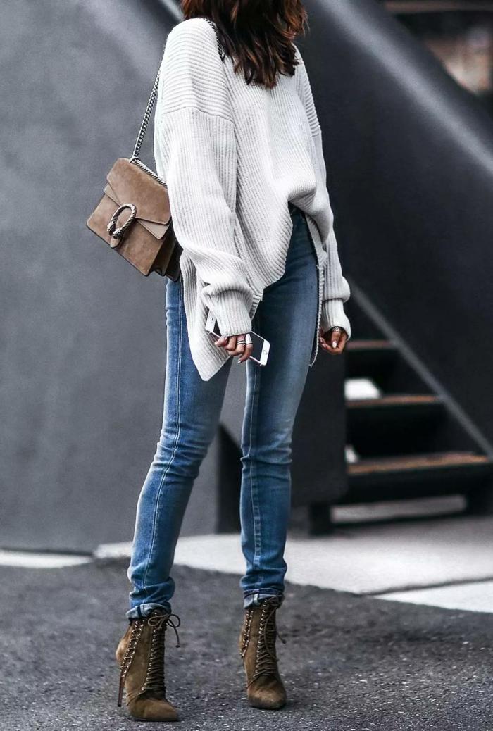 tendance pull oversize et jean pour l'hiver