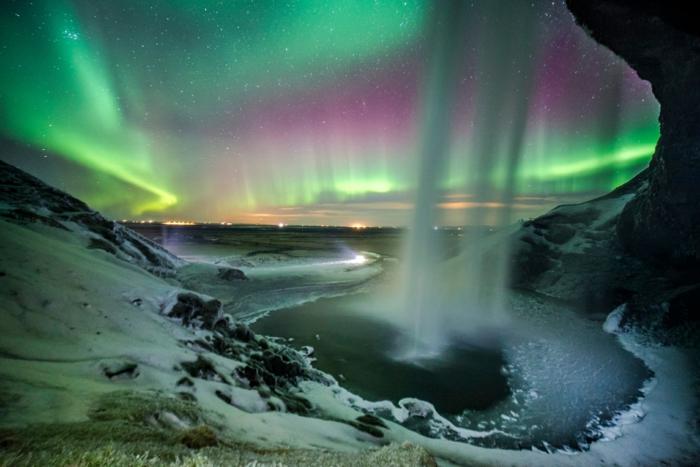 voyager en islande seljalandsfoss et aurora
