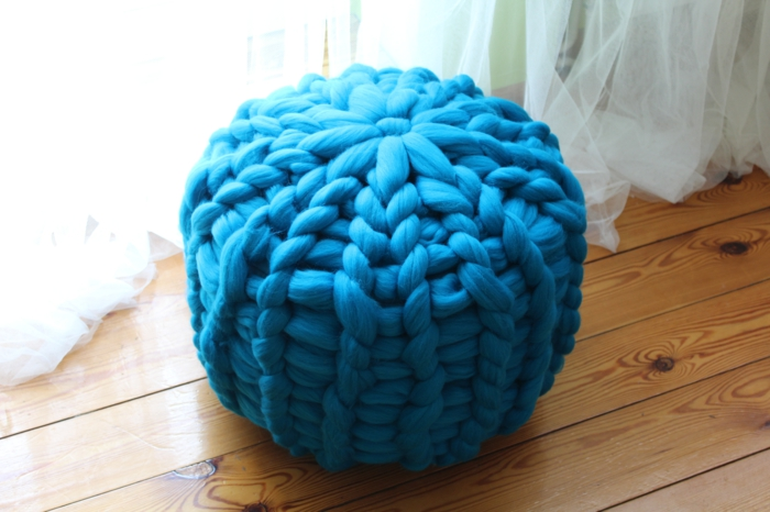 arm knitting pouf