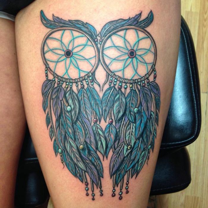 attrape-rêve hanche femme tatouage