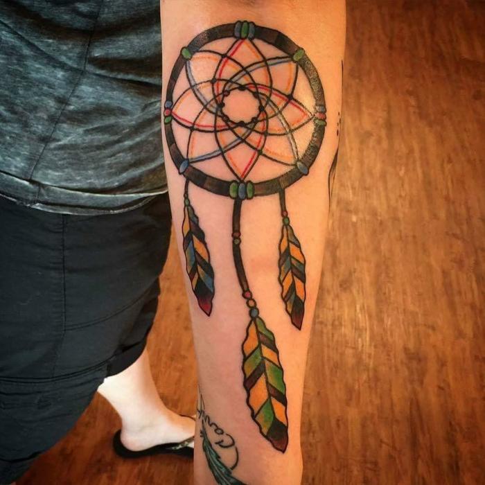 attrape-rêve tatouage coloré