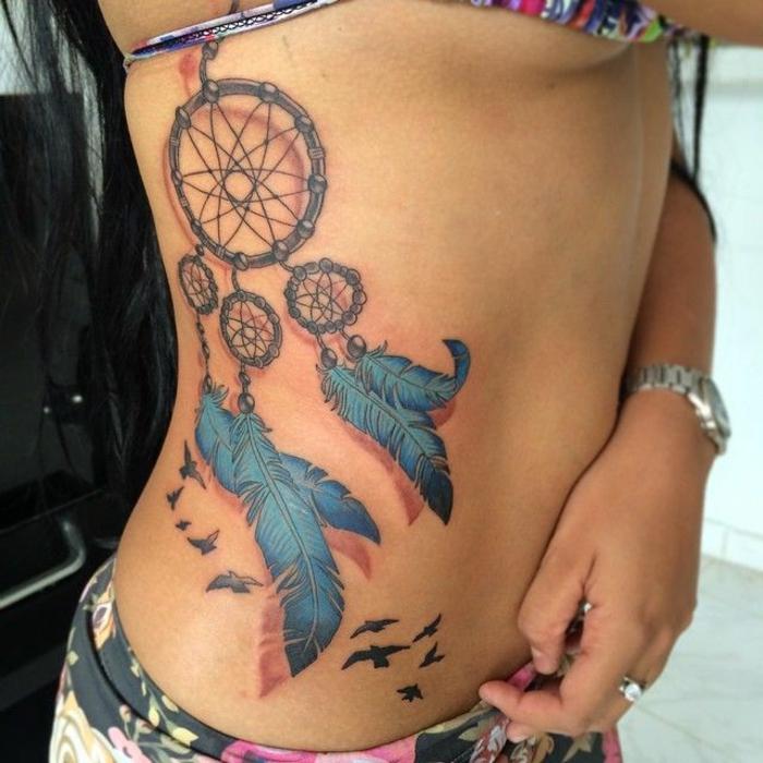 attrape-rêve tatouage noir et bleu