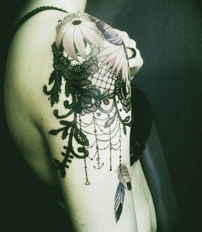 attrape-rêve tatouage stylisé