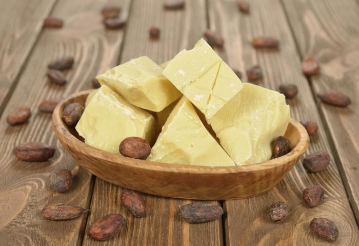 baume à lèvres bio avec beurre de cacao