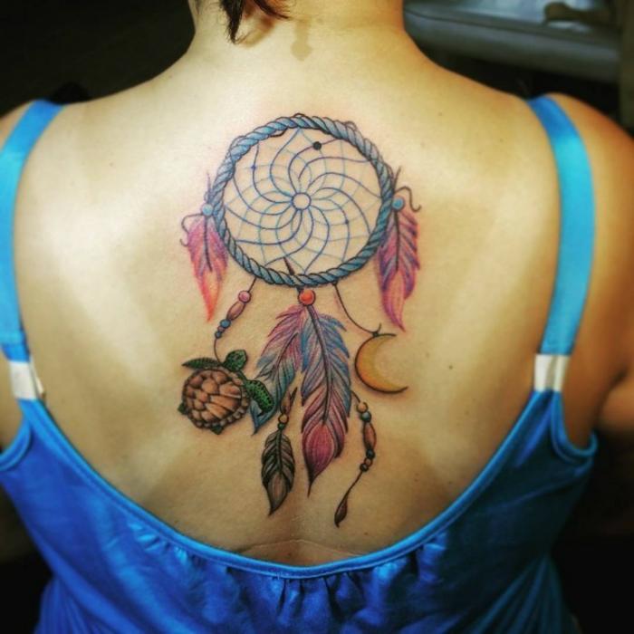 beau tatouage attrape-rêve femme