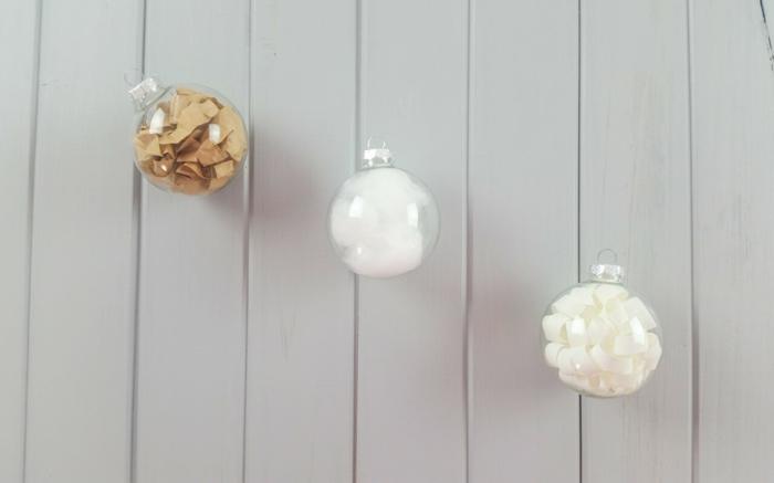 comment fabriquer une boule de no l et cr er une jolie d coration. Black Bedroom Furniture Sets. Home Design Ideas