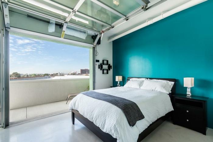 chambre bleu canard avec balcon