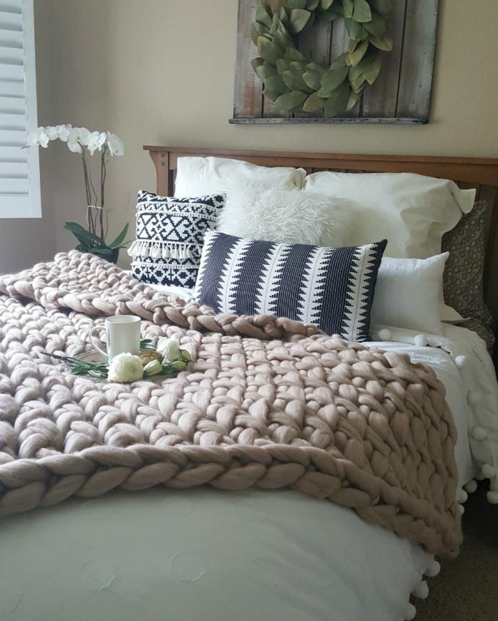 couverture arm knitting pour le lit