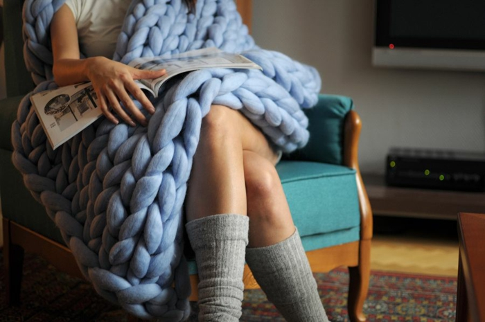 couverture moderne arm knitting