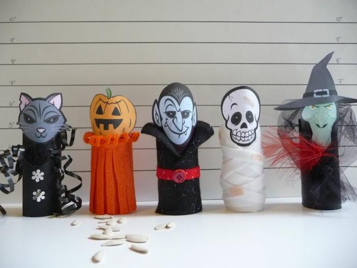 décorations halloween de tubes de papier toilette