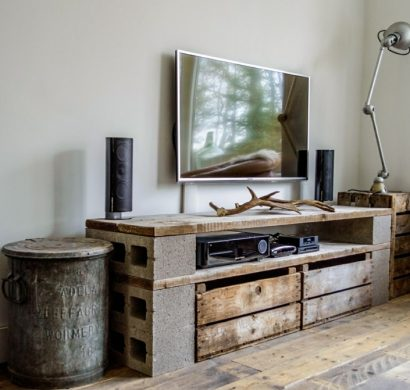 idee meuble tv a faire soi meme stunning table basse palette with idee meuble tv a faire soi. Black Bedroom Furniture Sets. Home Design Ideas