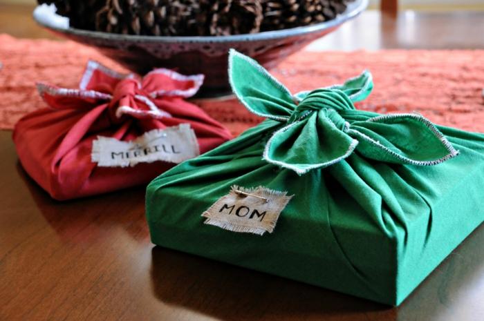 emballer un cadeau avec tussu