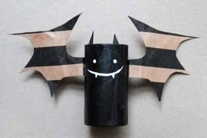 halloween art tubels papier toilette