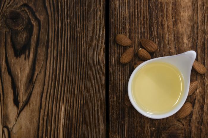huile amande douce baume à lèvres bio