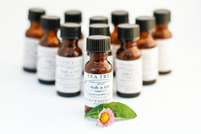 huile arbre à thé et huile essentielle niaouli