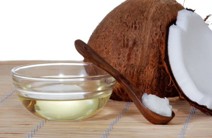 huile et beurre de coco baume à lèvres bio