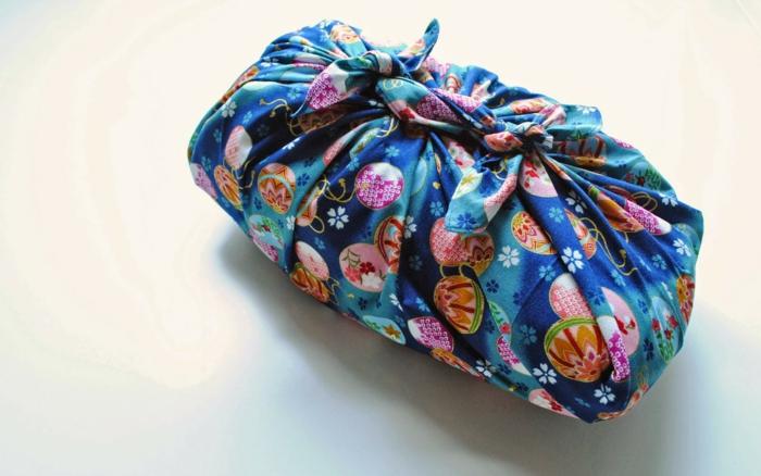 idées furoshiki pour un cadeau