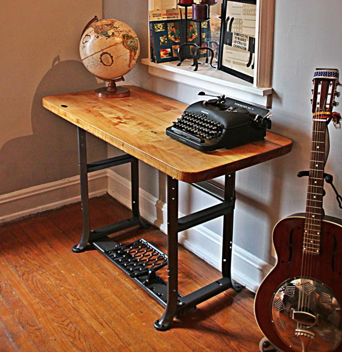 machine à coudre transformée en bureau