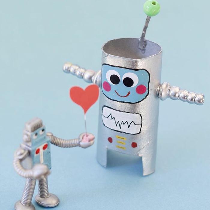 robot diy rouleau de papier toilette