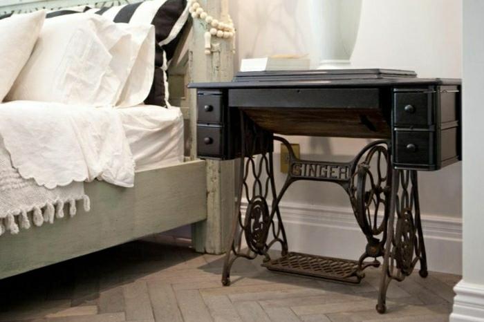 table de chevet vieille machine à coudre