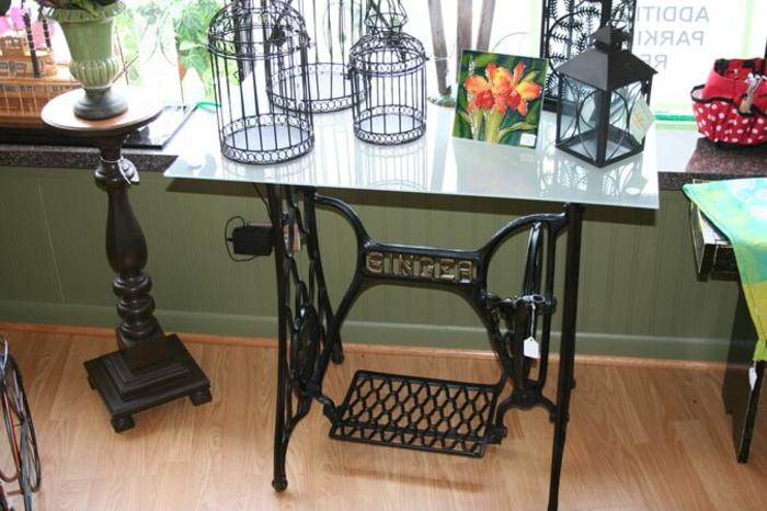 table moderne machine à coudre déco