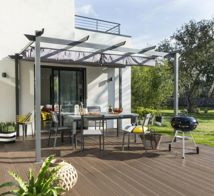 terrasse composite brun foncé