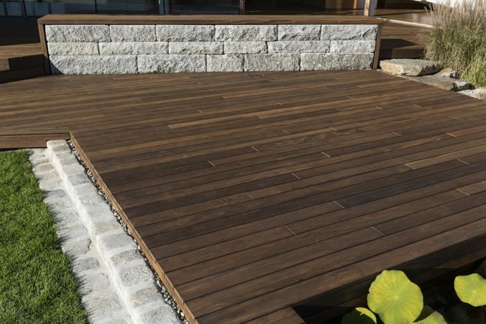 terrasse construite de bois composite