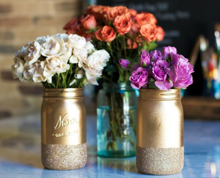 vases décorés de bocaux en verre