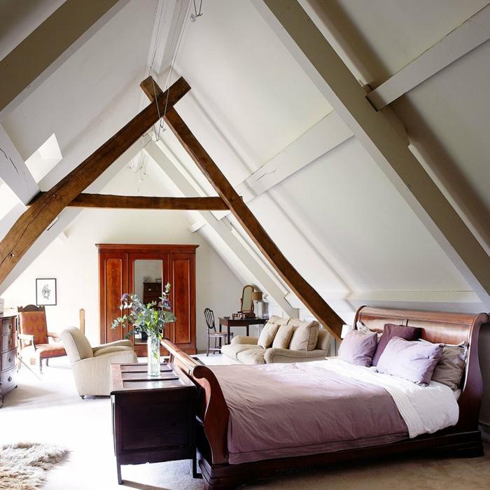aménagement de combles idée chambre meubles en bois couleurs chaudes et pastel