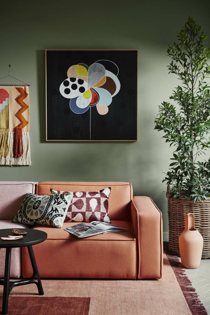 canapé moderne en couleur terracotta