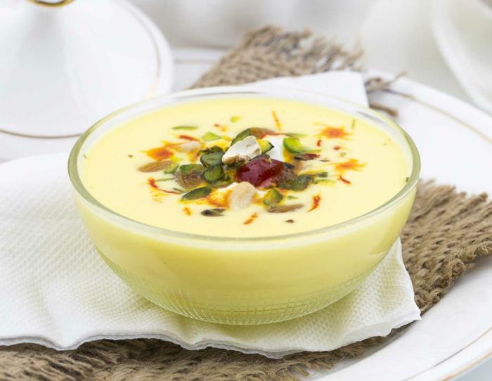crème au lait d'amande et miel