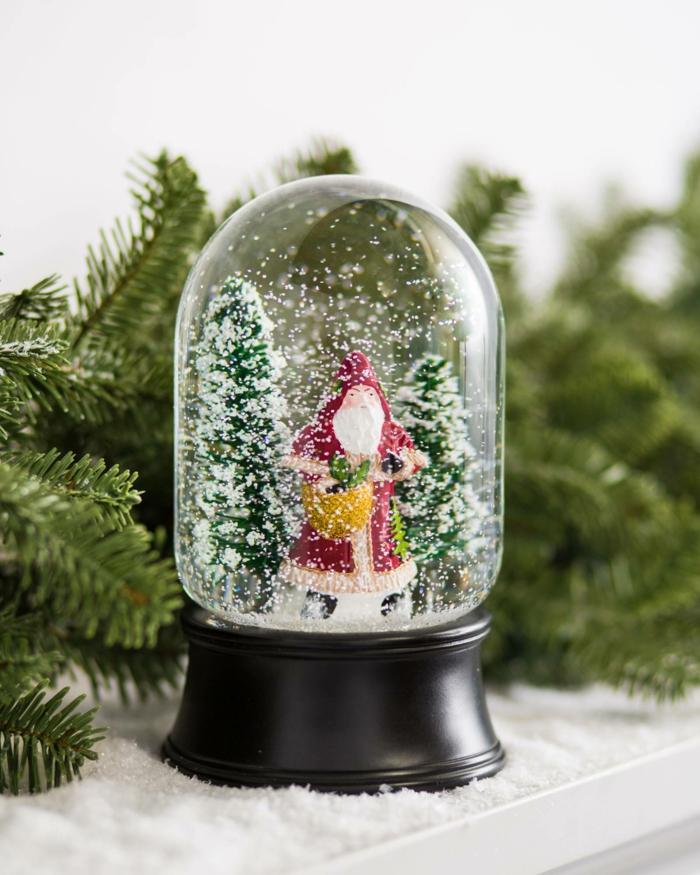 décoration de Noël avec boule à neige