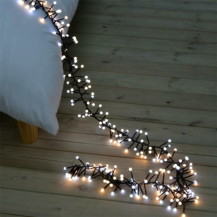décoration de Noël avec guirlande lumineuse