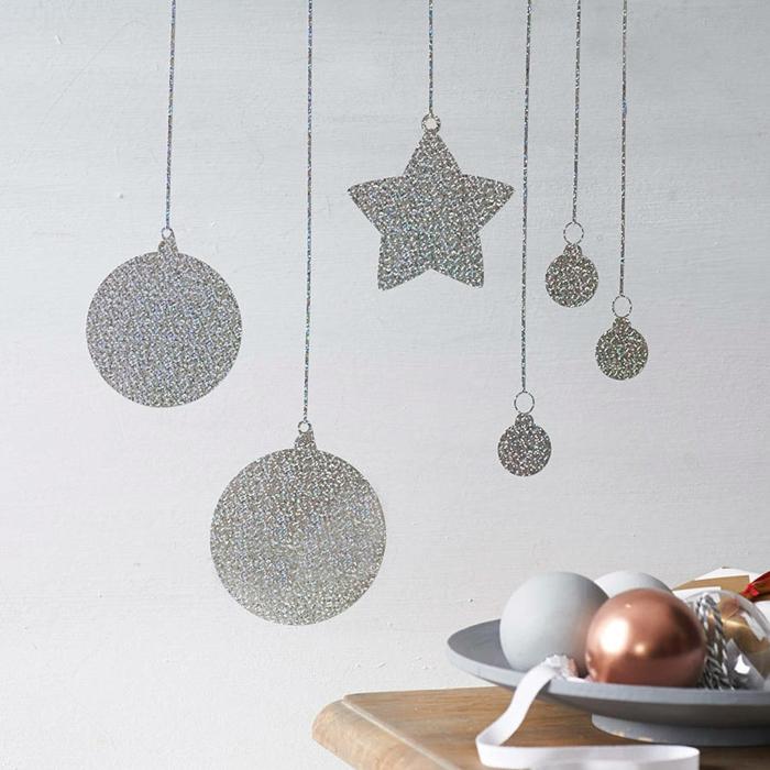 décoration de Noël murale boules