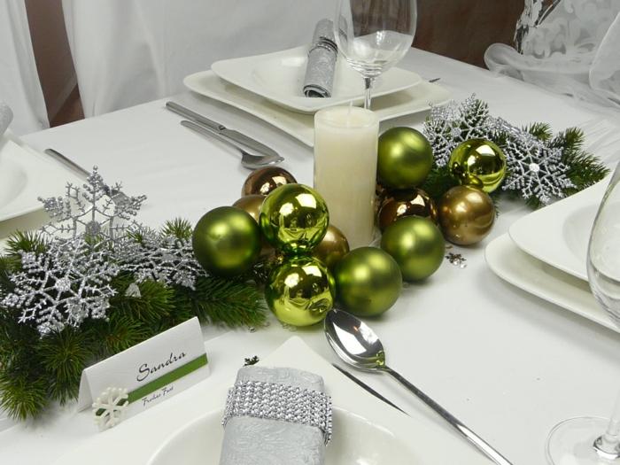 décoration de table de noël blanc et vert grande bougie