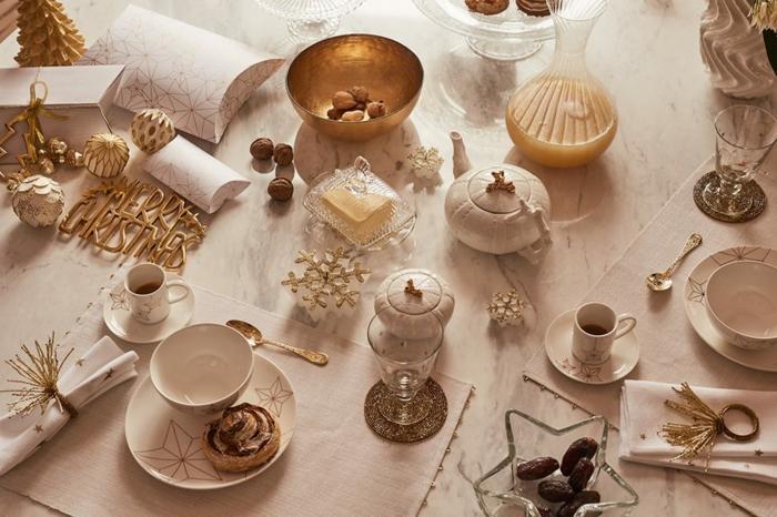 décoration de table de noël déco en blanc et or