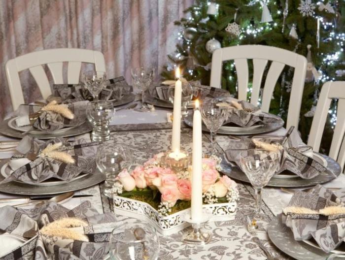 décoration de table de noël gris et blanc