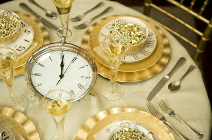 décoration de table de noël horloge