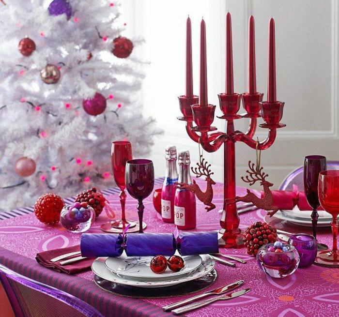 décoration de table de noël rose et violet