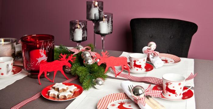décoration de table de noël rouge et blanc bougeoirs