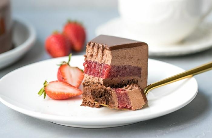 gâteau mousse au chocolat, confiture et lait d'amande