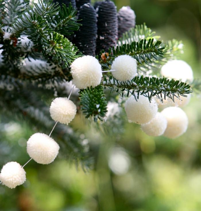 Guirlande en flocons de neige pour une ambiance plus festive - Idee decoration de noel exterieur ...