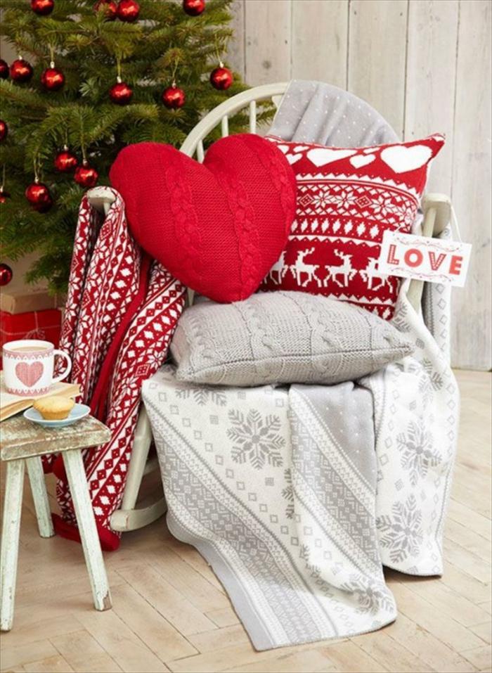 idée avec coussins pour la décoration de Noël