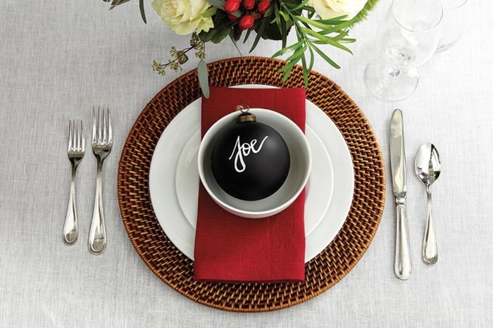 idée comment décorer table de fête décoration de table de noël