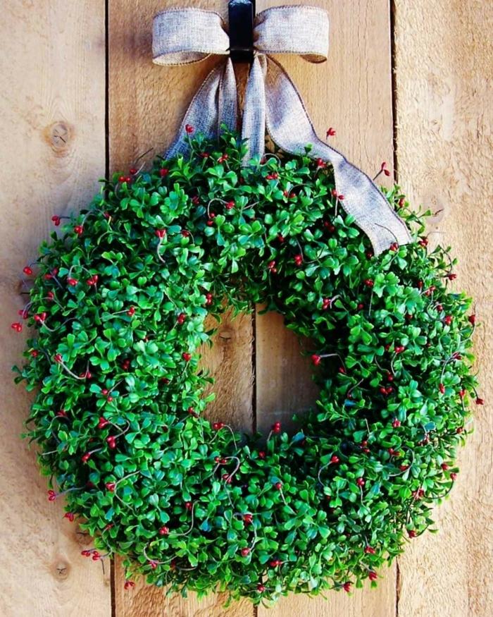 idée décoration de Noël pour la porte