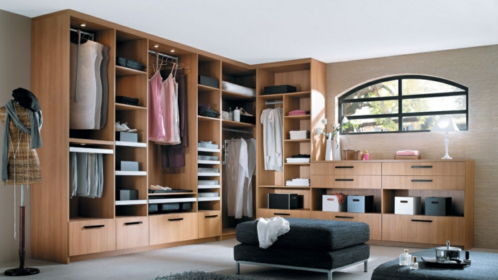 rangement penderie trucs et astuces pour cr er un ordre impeccable. Black Bedroom Furniture Sets. Home Design Ideas