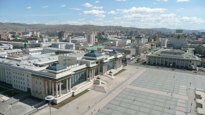 la place Sühbaatar oulan bator mongolie