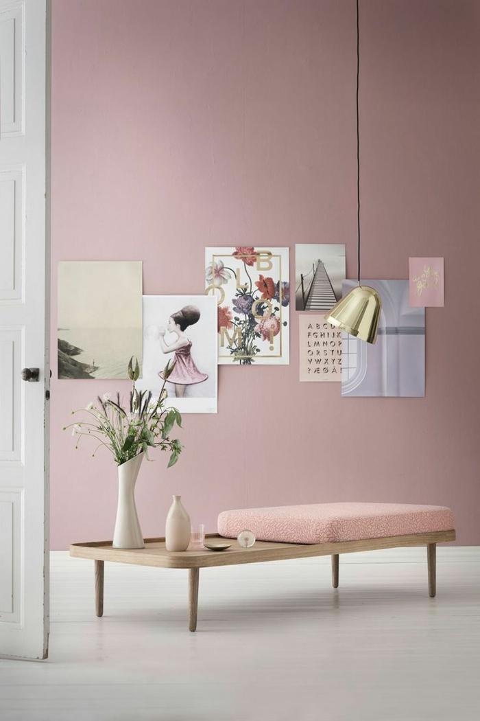 pièce en rose pastel et papier peint scandinave